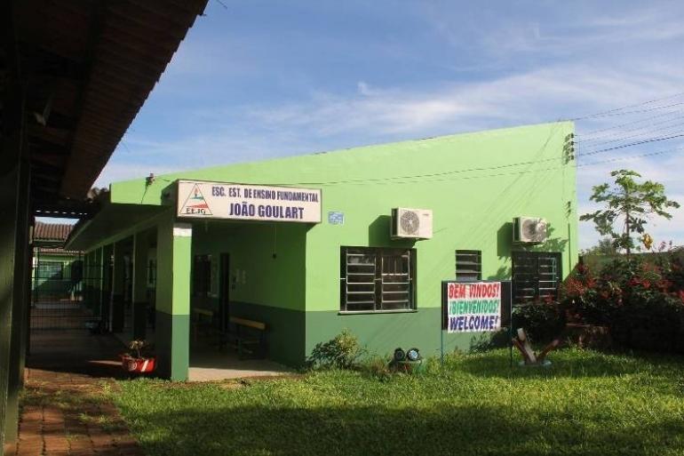 Fornecimento de energia el�trica na Escola Jo�o Goulart � retomado