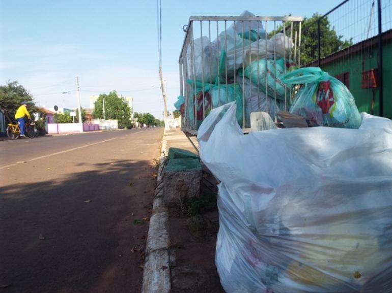Candidatos a prefeito s�o convidados para reuni�o com recicladores de lixo