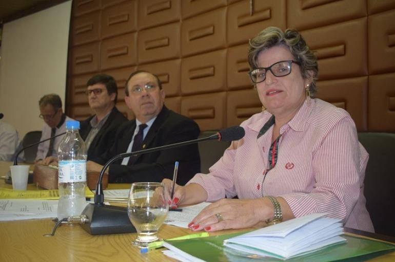 Sandra Marques comp�e Mesa Diretora da C�mara de Vereadores e vai auxiliar os trabalhos em 2018
