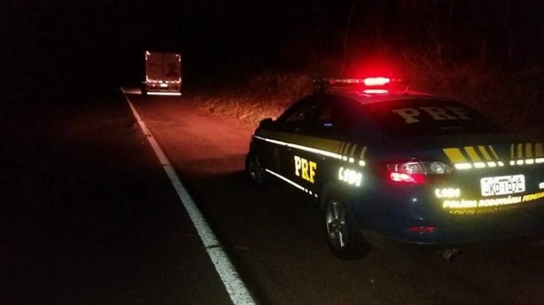 Caminhoneiro e motociclista se envolvem em acidente na BR 285