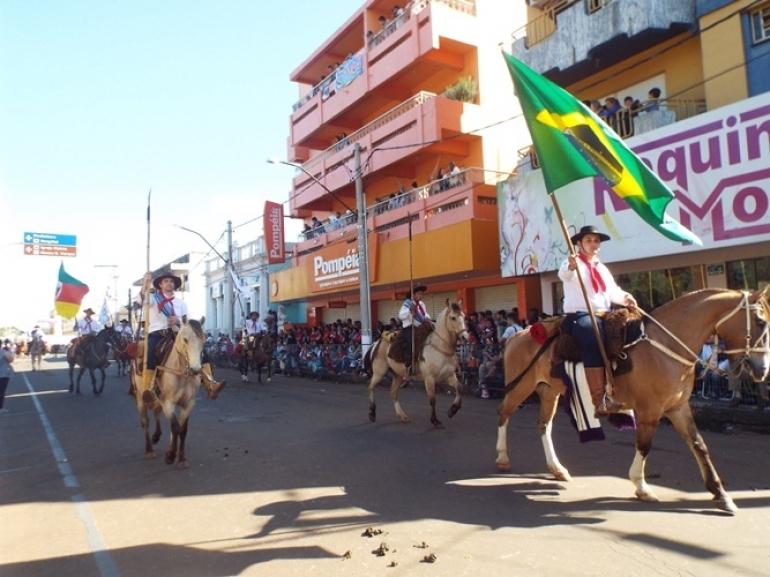 Desfile Farroupilha acontece em S�o Borja nesta quinta-feira