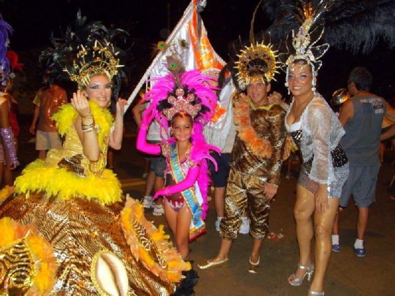 Escolas de samba se preparam para desfile