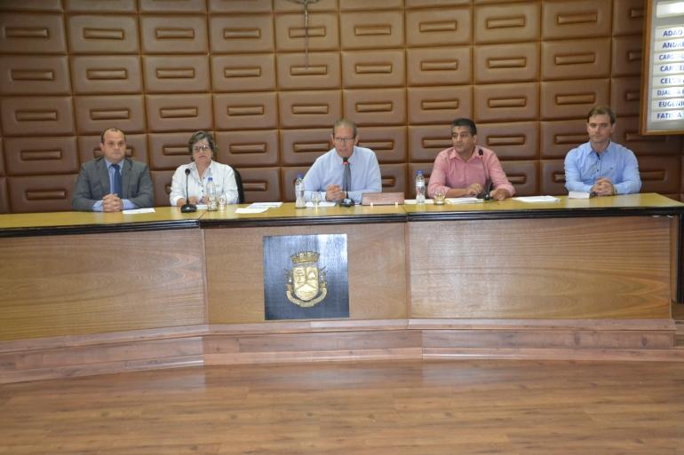 Eleição para o cargo de corregedor acirra os ânimos entre os vereadores na abertura do ano legislativo
