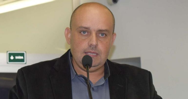 Vereador Paulo Cesar Cardial busca dar voz ao povo na tribuna