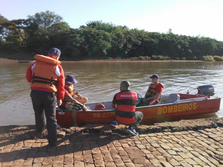 Foram retomadas nesta manhã as buscas do jovem que se afogou no Rio Uruguai