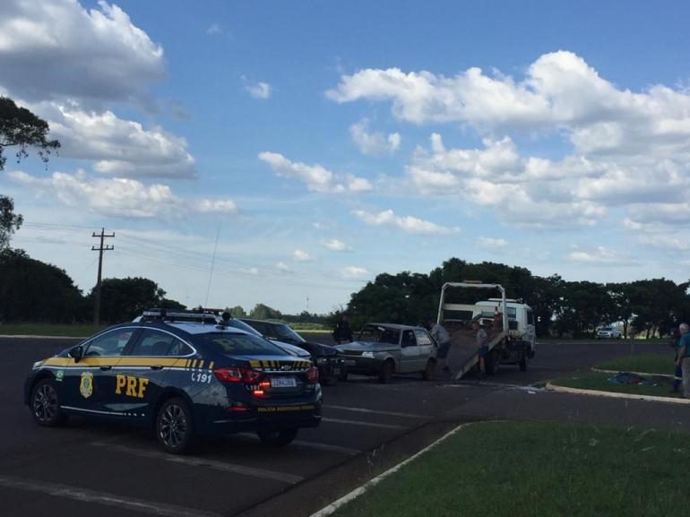 Acidente no trevo de saída para Itaqui deixa dois feridos