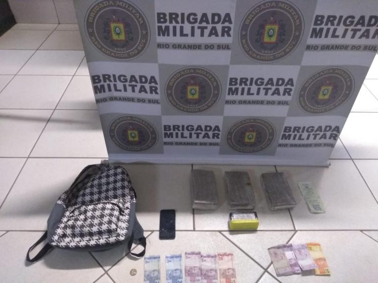 Brigada Militar  apreende drogas na rodoviária de São Borja