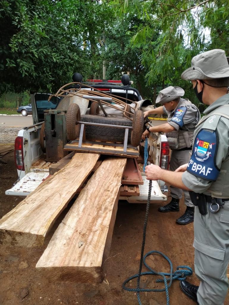 Brigada Militar apreende vários produtos de furto em São Borja