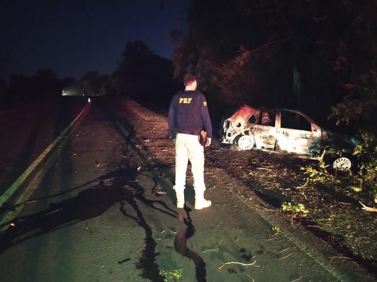 Homem morre carbonizado em grave acidente na BR 472 em São Borja