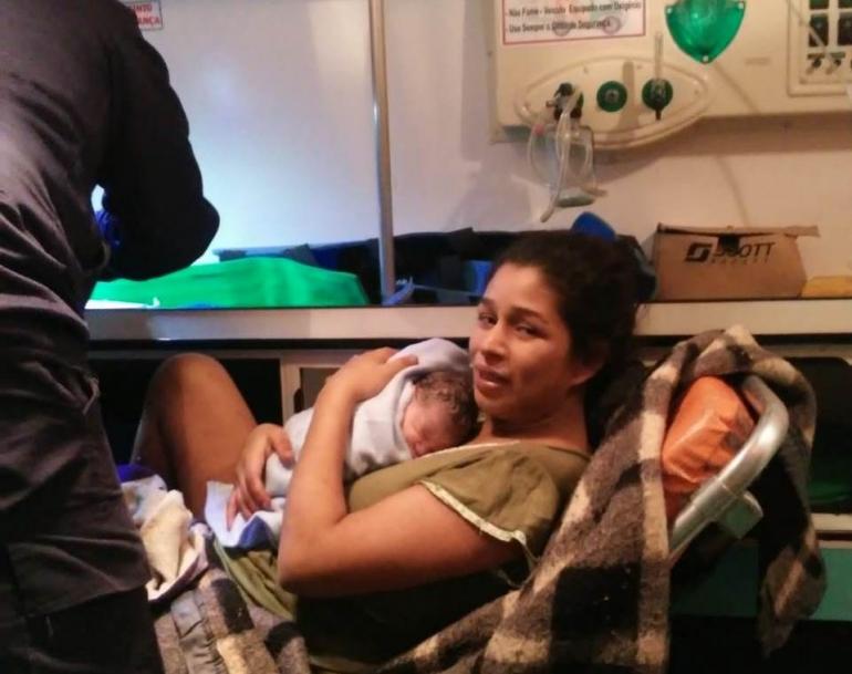 Bebê apressado nasce dentro da viatura de resgate da Corporação dos Bombeiros em São Borja