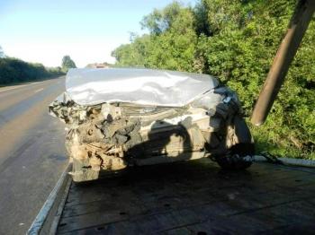 Acidente na BR 285 deixa passageiro preso às ferragens