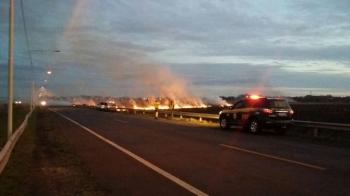Fumaça de incêndio causa transtornos na BR 285