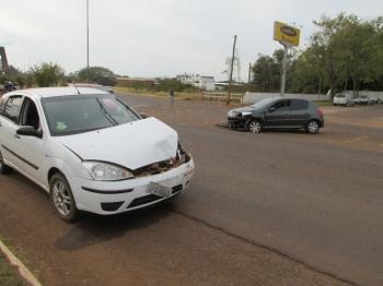 Motoristas de dois veículos se envolvem em acidente em São Borja