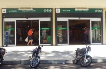 Continuam os debates sobre abertura dos supermercados nos domingos e feriados