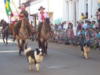 Desfile encerra a programação da Semana Farroupilha em São Borja