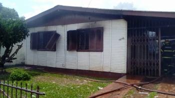 Incêndio destrói casa  em São Borja