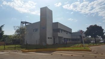 Após 10 anos, obras do quartel dos bombeiros ainda não foram concluídas