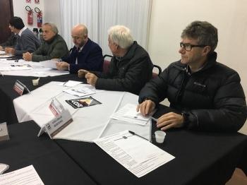 """Campanha """"Vote por São Borja"""" é apresentada para diretoria da ACISB"""