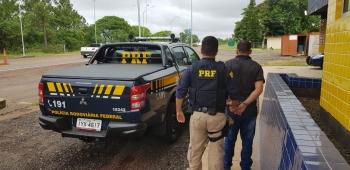 PRF cumpre mandado de prisão na BR-285 em São Borja