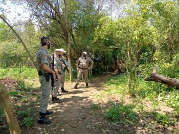 Homem é encontrado morto em terreno baldio em São Borja