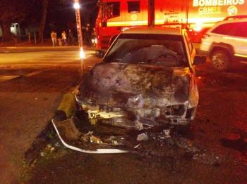 Acidente de trânsito resulta em incêndio de veículo em São Borja