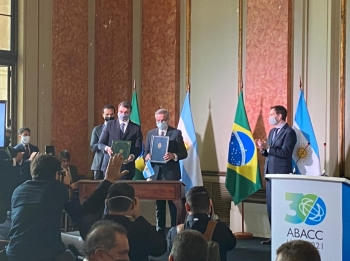 Brasil e Argentina assinam acordo de prorrogação da concessão dos serviços da Mercovia